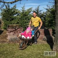 Spiegel Ákos és a gyerekek